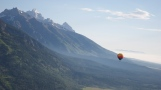 Road-trip-national-parks-USA-Grand-tetons-mountain-hot-air-balloon-Wyoming-summer-2013