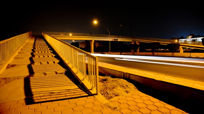 night-photography-Kuwait-pedestrian-Bridge-Mishrif-2013