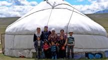 Mongolia-altai-ger-kazakh-family-mountains-tavanbogd-thegeneralist