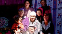 Mongolia-altai-mountains-tavanbogd-kazakh-family-ger-thegeneralist