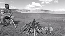 Mongolia-altai-park-lake-khoton-fire-camp-thegeneralist