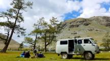 Mongolia-altai-peaks-lake-Khoton-picnic-lunch-break-russian-car-river-ulgi-kazakh-thegeneralist