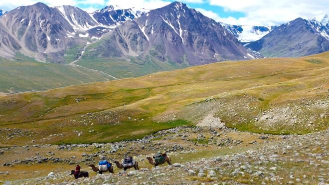 Mongolia-altai-peaks-tavan-bogd-national-park-thegeneralist