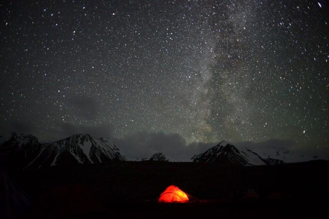 Mongolia-night-sky-tent-milkyway-thegeneralist2