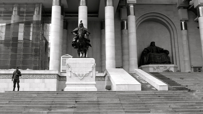 Mongolia-Ulaanbaatar-city-square-Genghis-Khan-thegeneralist